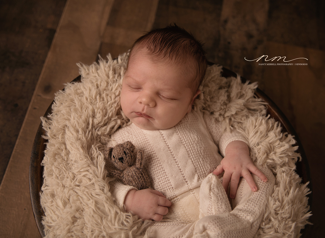 040318nancymerrillphotography-mainenewbornphotographer-maineportraitstudio-newenglandnewbornphotographer-cutebabyboy-boyinbowlpose-newborninbowl-babyboywithbear-mainebabystudio-mainebabysession